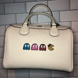MS. PAC-MAN Coach Bennet Satchel